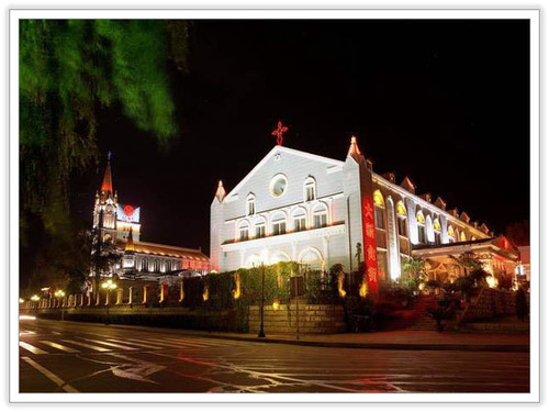 Jilin_catholic_church_at_night